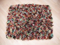 Stitchin' The Day Away: Rag Rug Tutorial - hessian= jute, hemp
