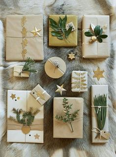 Beautifully decorated gift packages for the holidays! – natural gift wrapping – Marie Claire Ideas Source by mcidees Christmas Gift Wrapping, Diy Christmas Gifts, All Things Christmas, Holiday Gifts, Christmas Decorations, Santa Gifts, Christmas Ideas, Christmas Fashion, Modern Christmas