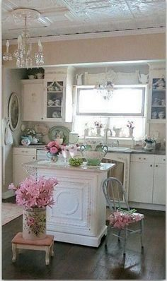 Feminine Shabby Chic Kitchen Decor with Island. #shabbychickitchenisland