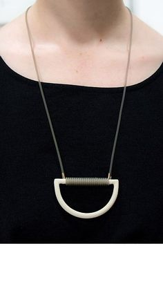 ARC NECKLACE - Curator
