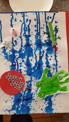 Life cycle of a frog: this could be a whole group art/science creation! Frogs Preschool, April Preschool, Preschool Projects, Kindergarten Science, Frog Activities, Spring Activities, Life Cycle Craft, Pond Animals, Lifecycle Of A Frog