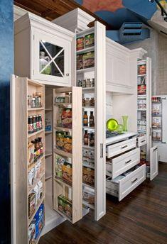 Garde-manger trois profondeurs How To Make Small Kitchens Feel Bigger