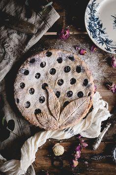 Rhubarb, raspberry & wild blueberry pie