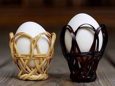 подставка для яиц Willow Weaving, Basket Weaving, Rattan, Wicker, Paper Furniture, Newspaper Crafts, Indian Art, Projects To Try, Crochet