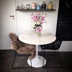 Le marbre dans la déco, décoration fleurie, salle à manger, décoration #madecoamoi @fancyeyecandy