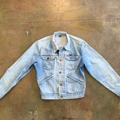 @villainsvintage LA Washed out vintage denim jacket. #vintagedenimjacket #vintageshowroom #losangeles