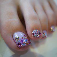 Feet Nail Design, Pedicure Nail Designs, Toe Nail Designs, Pedicure Nails, Mani Pedi, Pedicures, Summer Toe Nails, Feet Nails, Lily Collins