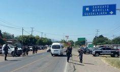 Elementos de la Policía Michoacán ampliaron el operativo efectuado en Sahuayo y Jiquilpan a los municipios de Venustiano Carranza y Cojumatlán de Régules para reforzar la seguridad en beneficio de ...