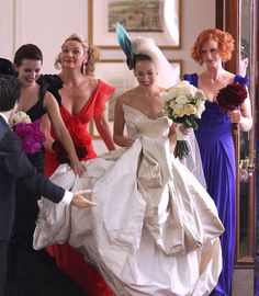 Carrie Bradshaw and the girls getting ready for the big wedding