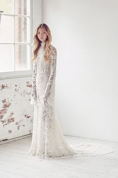 Luzury wedding gown designer Suzanne Harward will debut her stunning 2017 bridal collection this month in Melborne. Country Style Wedding Dresses, Wedding Dresses For Sale, Wedding Dress Sizes, Perfect Wedding Dress, Bridal Style, Bridal Dresses, Lace Wedding, 2017 Wedding, Gown Wedding
