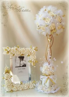 Sweet ideas for wedding present. Wedding Centerpieces, Wedding Decorations, Table Decorations, Wedding Glasses, Topiary, Flower Crafts, Paper Flowers, Floral Arrangements, Diy And Crafts