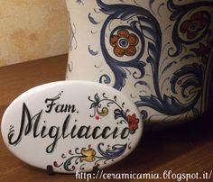 Plate on the #door #painting. Mattonella ovale(targhetta per la porta)dip.a mano di ceramica #Italy http://ceramicamia.blogspot.it/2013/01/targhetta-per-la-porta.html