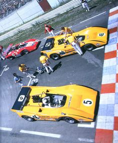 Can-Am Watkins Glen First row for Denny Hulme and Dan Gurney ( McLaren Chevy) Old Sports Cars, Sport Cars, Race Cars, Motor Sport, Le Mans, Grand Prix, 2017 Acura Nsx, Course Automobile, Dan Gurney
