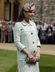 Pregnant Kate Middleton dons mint Mulberry coat at Windsor Castle