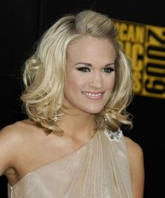 Medium Length Hairstyles For Round Faces | Celebrity Medium Length Wavy Hairstyles For Round Faces