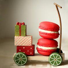 Strawberry Macaron by Cofetaria Armand