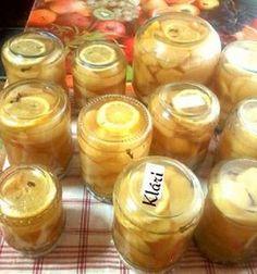 A mai napi elfoglaltságom: Körte befőtt eltevése télire. Egyszerűen : Egy nagyobb fazékba öntök 1 kg cukrot és 3 liter vizet felforralom, hogy a cukor elolvadjon. Addig, ha világos gyümölcsöt rakok el ( alma, körte, birs, sárgabarack, ő... Cooking Recipes, Pudding, Sweets, Cookies, Canning, Drinks, Food, Minden, Health Care