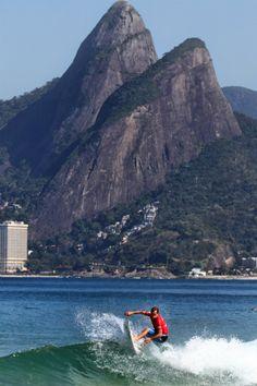Surfing... Rio de Janeiro, Brasil...
