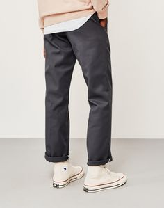 Order the Dickies Original 874 Work Pant Grey today from The Idle Man, your online destination for all of your Men's fashion needs. Converse Outfits, Casual Outfits, Fashion 101, Look Fashion, Fashion Outfits, Mens Fashion, Skate Fashion, Streetwear Mode, Streetwear Fashion