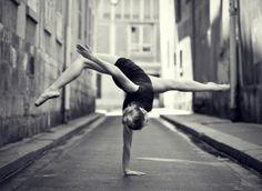 http://www.google.com.au/imgres?um=1=en=1280=935=isch=3Dsg0EfvAQS7AM:=http://www.flavorwire.com/318280/incredible-photos-of-ballet-dancers-poised-on-city-streets=dbzMDa_m7HD7JM=http://assets.flavorwire.com/wp-content/uploads/2012/08/ballet1.jpg=600=440=KXIsUNeSD8iZiQff2oGADg=1=hc=986=382=426=171=230=176=112=103373919557570415080=1=152=201=0=25=1t:429,r:11,s:0,i:170