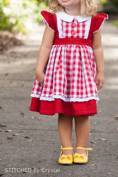Georgia Vintage Dress, STITCHED by Crystal: Georgia Vintage Dress, lovely shoes Toddler Dress, Baby Dress, Little Girl Dresses, Girls Dresses, Vintage Dresses, Vintage Outfits, Kids Outfits, Cute Outfits, Baby Kind