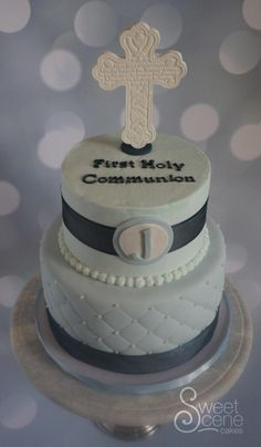 First Communion Edition 1 - Cake by Sweet Scene Cakes #firstcommunioncake #crosscake #quiltedcake Communion Prayer, Quilted Cake, First Holy Communion Cake, Cross Cakes, Love Cupcakes, Cake Business, Boy Baptism, Cake Pop, Beautiful Cakes