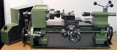 Elffers home-made lathe. Metal Lathe Projects, Lathe Tools, Homemade Lathe, Homemade Tools, Milling Machine, Machine Tools, Lathe Accessories, Welding Shop, Tool Room