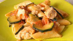 Makaronowa zapiekanka z kurczakiem i cukinią