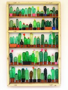 Cactus collection made of PET bottles. Such a cool kindergarten project! Courtesy of Kurbits.nu