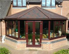 Is your conservatory roof way too cold during the winter? Maybe it's time to invest in a Guardian Warm Roof and transform your conservatory into a cosy, warm space this winter.