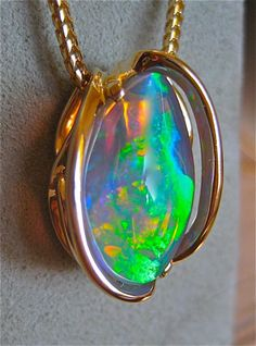 oooooohhh lala....opal necklace