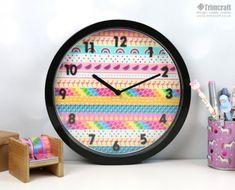 Decorar el reloj de pared con cinta washi