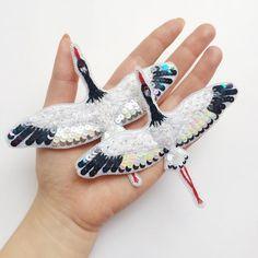 Еще одна пара стерхов расправляет крылья и держит курс на север❤️ Сегодня они вылетят из дождливой серой Москвы и уже завтра окажутся в снежной Якутии❄️❄️ @lupochino13 , моя любимая солнечная Марина, пусть эти прекрасные птицы принесут тебе на своих крыльях счастье и любовь!