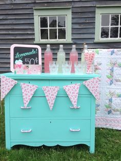 How You Can Make A Vintage Lemonade Stand