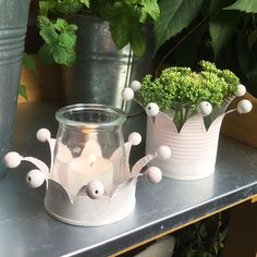 Boite conserve découpée : bougeoir ou vase Ich war eine Dose – oder – Acht Zacken in der Krone Tin Can Crafts, Diy And Crafts, Crafts For Kids, Tin Can Art, Craft Projects, Projects To Try, Ideias Diy, Upcycled Crafts, Christmas Crafts