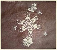 雪の結晶の刺繍 その2 - 双子でほっこり刺繍の布物制作記~Chicchi~