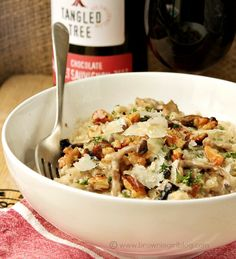 Creamy Exotic Mushroom and Blue Cheese Risotto recipe Grub Recipes, Walnut Recipes, Mushroom Risotto, Blue Cheese, Fine Dining, I Foods, Pasta Salad, Delish, Side Dishes