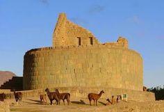 Ruinas de Ingapirca ubicado en la provincia del Cañar, el más grande complejo arqueológico Inca del Ecuador, cuyas ruinas datan de los siglos XV y XVI, localizadas a dos horas de la ciudad de Cuenca, no puedes dejar de visitar este lugar turístico.