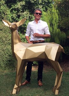 Ben Foster pictured with his sculpture the Gold Deer - Christchurch, New Zealand Metal Art Sculpture, Dog Sculpture, Steel Sculpture, Animal Sculptures, Low Poly, Origami And Quilling, Origami Paper Art, Art En Acier, Metal Animal