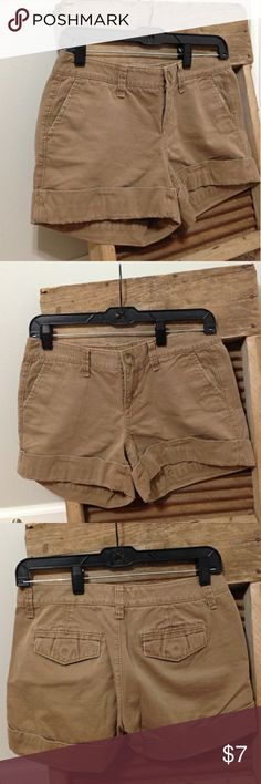 Old Navy Low-Rise Shorts Like new Old Navy Low-Rise Shorts Size 2 Old Navy Shorts