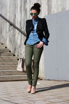Everything on Point Olive green pants outfit Casual Work Outfits, Business Casual Outfits, Work Casual, Fall Outfits, Fashion Outfits, Womens Fashion, Casual Chic, Casual Fall, Outfit Work