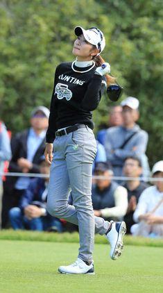 スポーツニュース、芸能ニュースはお任せ!スポーツニッポン新聞社の公式サイトです。 Girl Golf Outfit, Cute Golf Outfit, Girl Outfits, Girls Golf, Ladies Golf, Golf Theme, Great Women, Golf Fashion, Athletic Women