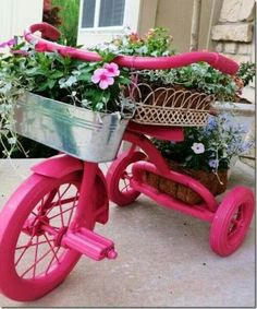 DIY Ideas for Your Garden – Pink Tricycle Planter – Cool Projects for Spring and Summer Gardening – Planters, Rocks, Markers and Handmade Decor for Outdoor Gardens Garden Crafts, Garden Projects, Garden Ideas, Recycled Garden Art, Recycling Projects, Yard Art, Pot Jardin, Garden Whimsy, Pink Garden