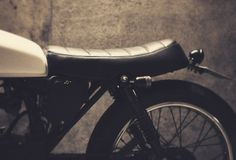 Dauphine-Lamarck's Honda 125 - The Bike Shed Motorcycle Types, Cafe Racer Motorcycle, Cg 125 Cafe Racer, Honda Cg125, Cb350, Bike Shed, Honda S, Bike Style, Classic Bikes