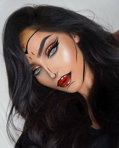 Inspiration & Accessoires: Wonder Woman Kostüm Make Up selb. - Beauty, Make-Up Inspiration & Accessoires: Wonder Woman Kostüm Make Up selber machen Cool Halloween Makeup, Halloween Makeup Looks, Halloween Looks, Easy Halloween, Rabbit Halloween, Halloween Eyeshadow, Halloween Doll, Halloween Stuff, Vintage Halloween