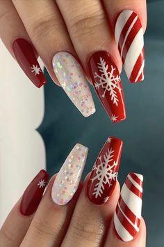 Christmas Nails 2019, Chistmas Nails, Xmas Nail Art, Christmas Nail Art Designs, Xmas Nails, Holiday Nails, Red Nails, Red Nail Polish, Winter Christmas