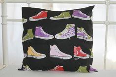 Lykketing - pillow Pillows, Tops, Women, Fashion, Moda, Fashion Styles, Cushions, Pillow Forms, Fashion Illustrations