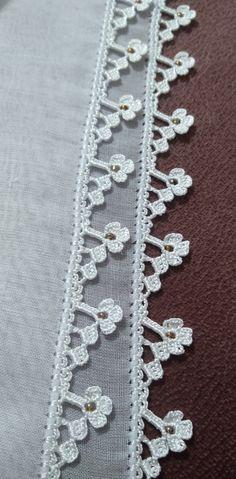 Saree Tassels Designs, Saree Kuchu Designs, Henna Designs, Crochet Flower Tutorial, Crochet Flowers, Crochet Borders, Filet Crochet, Crochet Cardigan, Crochet Scarves