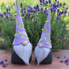 Лавандовые)  —————————————  Гномики, размер 28 и 24 см  Стоимость 10$ и 8$(проданы)  —————————————  #лавандовые #гномики #гномы #лаванда #парочка #лавандовоенастроение #люблюлаванду #лавандовыйцвет #гном #игрушкиручнойработы #gnomes #gnome #lavander #lavanda #lavandertime #toyhandmade #lavanderlove