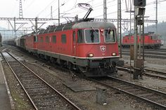 "SBB+Re+6/6+11617+""Heerbrugg""+++a+unknown+Re+4/4+&+Re+4/4''+11252 Workshop Shed, Swiss Railways, Train Service, Round House, Switzerland, Diesel, Building, Style, Trains"